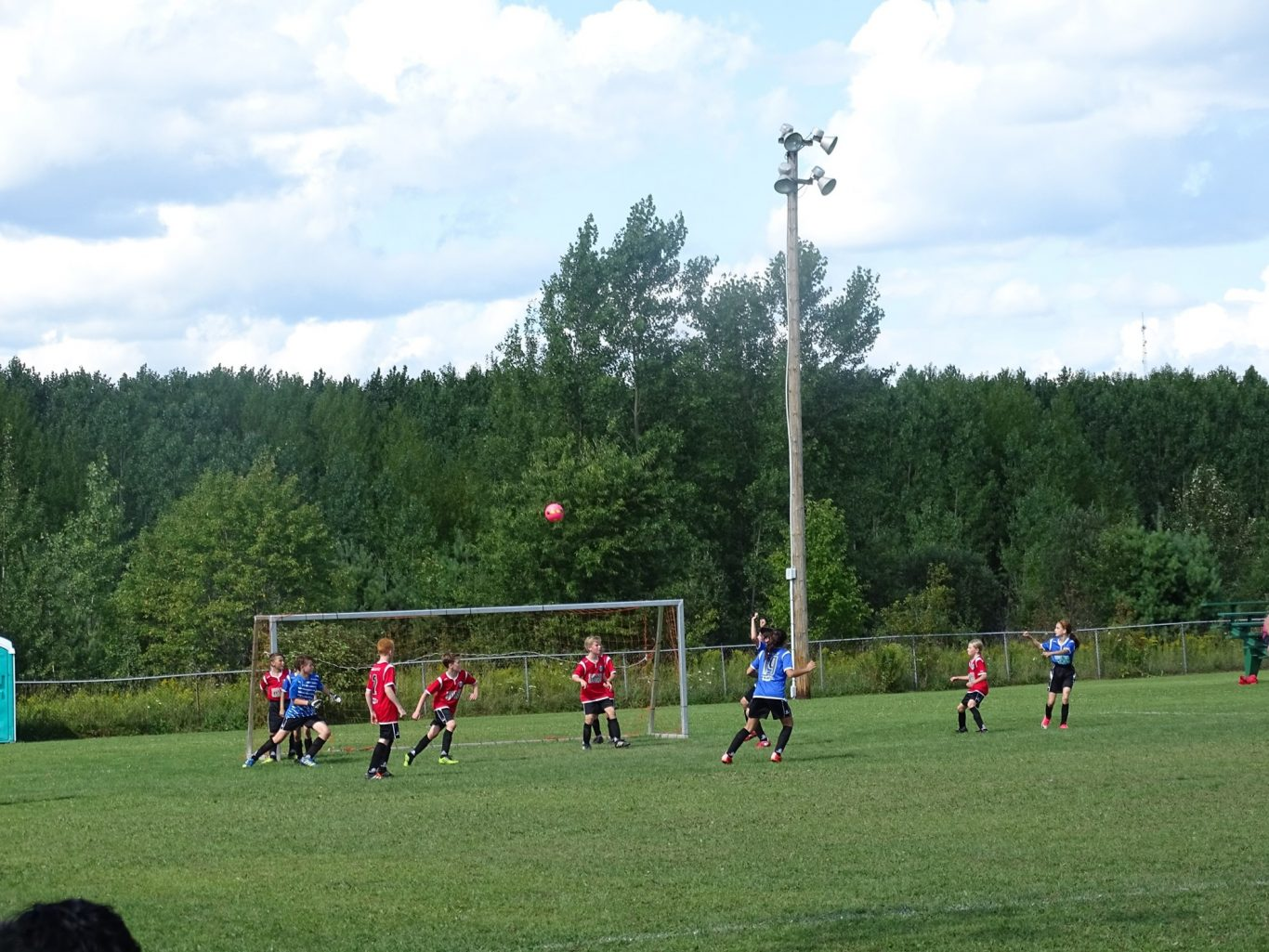 image terrain soccer 3 - Ville de Thurso